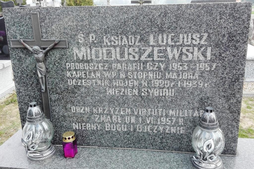 Grób Ks. Mioduszewskiego